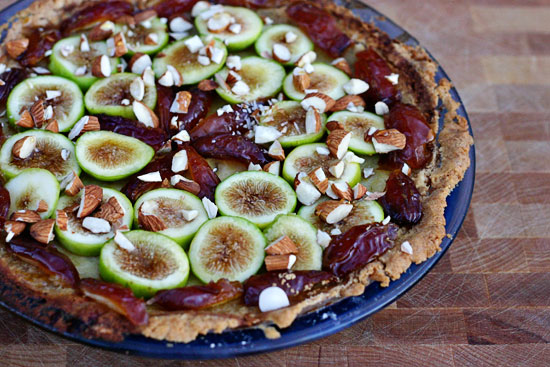 fig and date pie