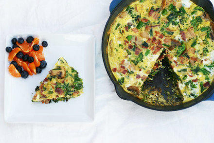 Frittata with mushrooms, bacon and broccolette