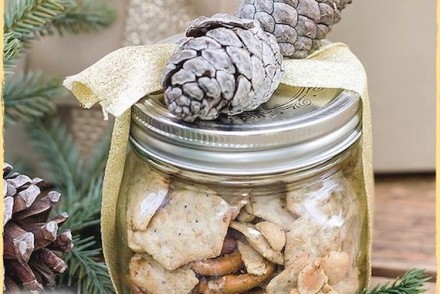 Woodland Holiday Snack Mix Gift Jar #glutenfree